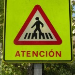 Attention attencion sign